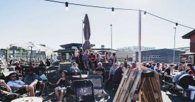 People relaxing at the harbour 1600px